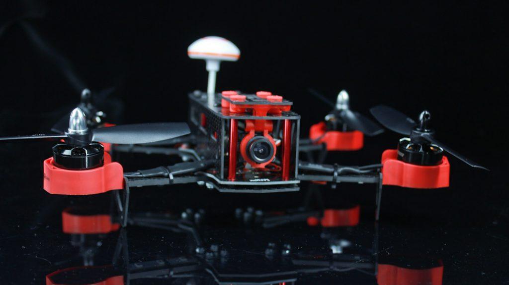 Eachine Falcon 250 FPV_dentro a sfondo nero